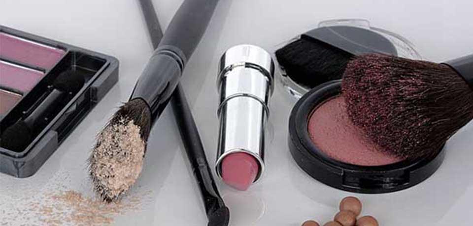 Como economizar com produtos para cabelos e outros cosméticos?