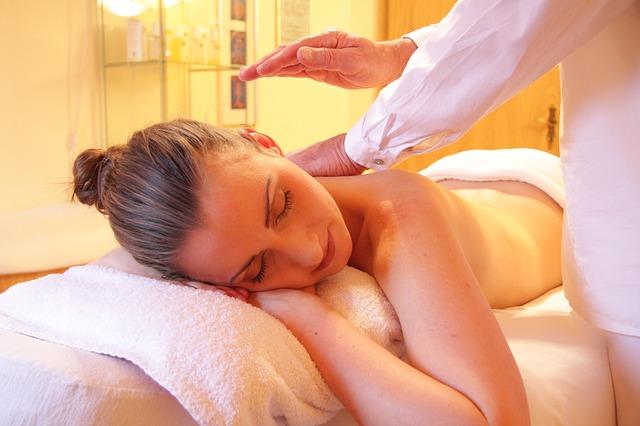 Para valorizar mercado da massagem, Renata França lança a R3P Cursos Livres