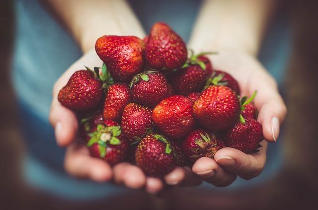 Queridinha da época: morango é ingrediente versátil e saboroso para suas receitas
